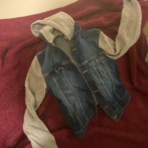 Denim jacket with cotton sleeves